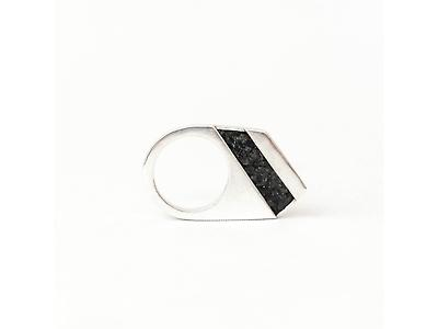 Carbon14 - Geometric Ring - Diagonal
