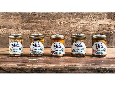 Glass jars Tuna in olive or sunflower oil or with different recipes.